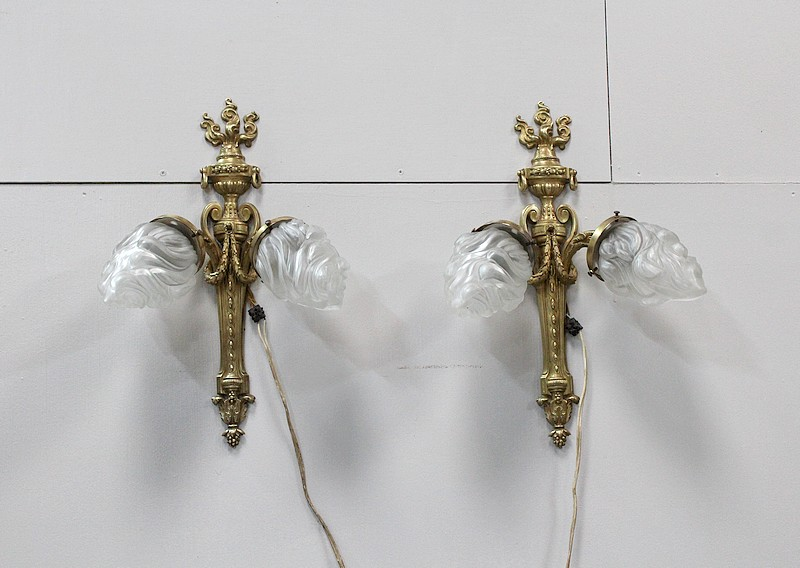 Pair of sconces with 2 lights taste Louis XVI - XIX