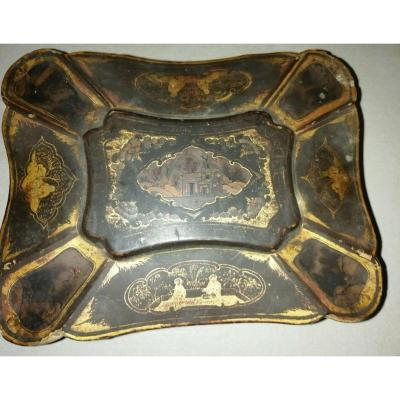China Wooden box Period XIX th century painting Lacquer Painted Table China Circa XIX Eme Napoleon III Chinese Claw feet