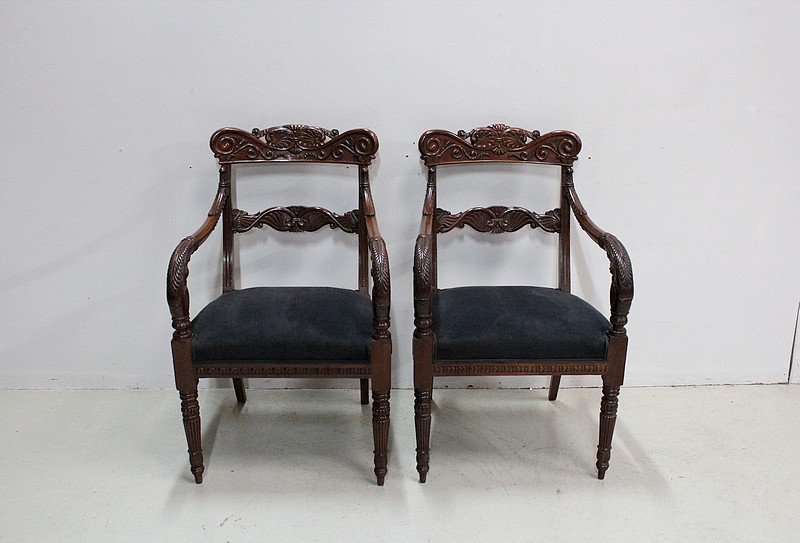 Pair of Georgian sculpted armchairs - XIXth