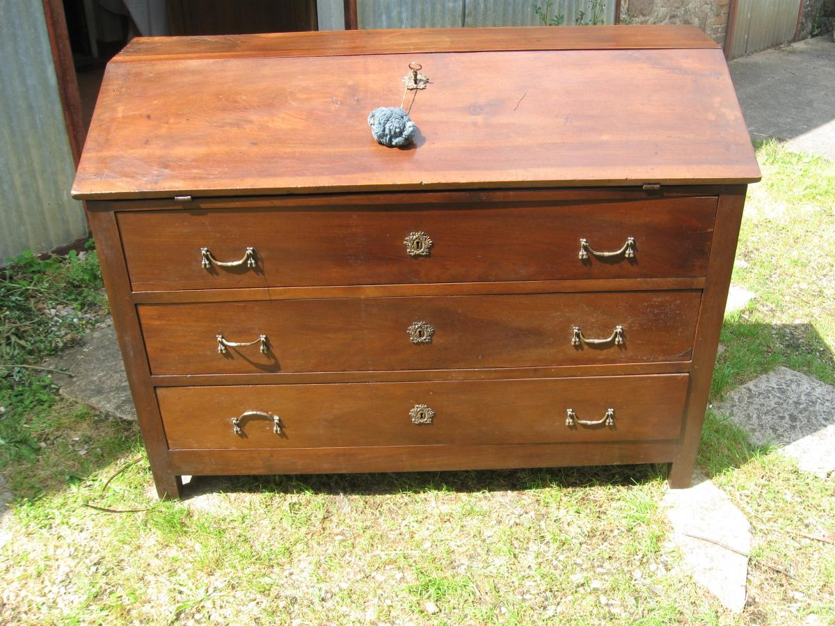 Commode Secretary Scribanne Louis XVI circa XVIIIth century Period, Walnut massive