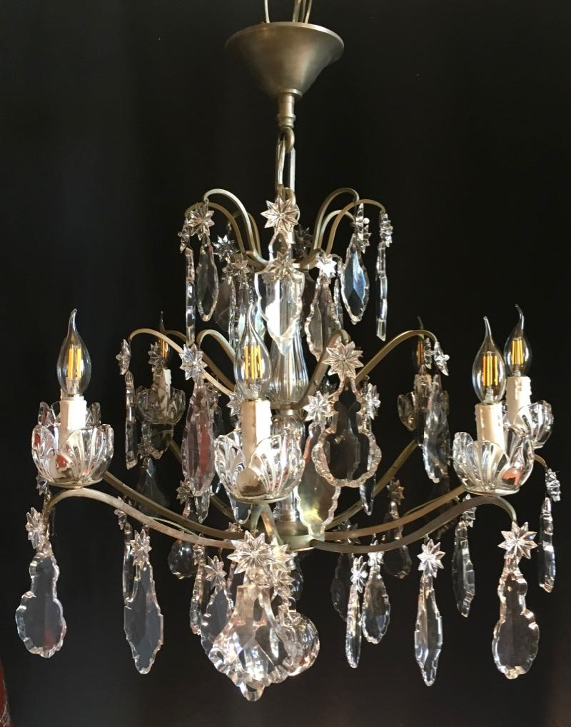 BACCARAT CHANDELIER WITH DROPLETS